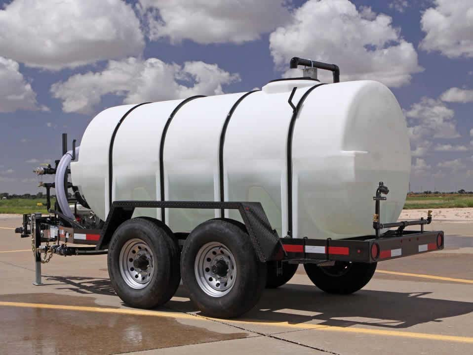 Portable Water Tanks : Portable water storage trailers and tanks